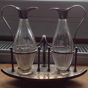 William Hutton & Sons Cruet Set. - Glassware