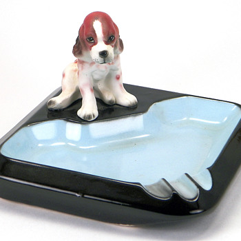 The Beagle Ashtray - Tobacciana