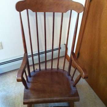 Yugoslavian rocking chair - Furniture