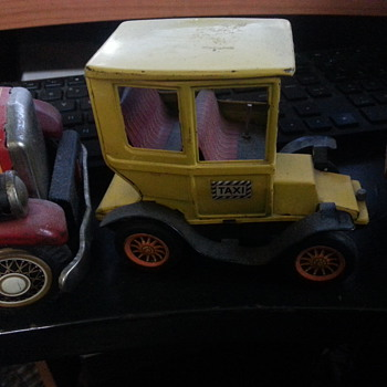 Toy Antique truck - Model Cars