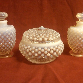 Fenton French Opalescent Hobnail Vanity Set 