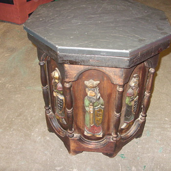 medievil times folk art table - Furniture