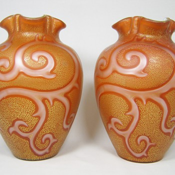 "Impressive pair of early Loetz Federzeichnung ""Octopus"" Vases ca. 1887 - Art Glass"