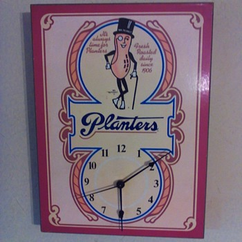 Planters peanut advertising clock