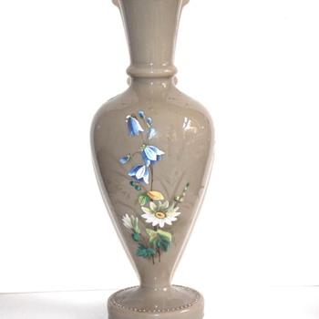 Gray aopline glass vase
