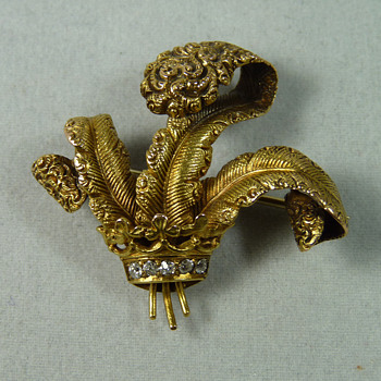 Edwardian Period 18ct Gold & Diamond Prince of Wales's Feathers Brooch/Pin - Fine Jewelry