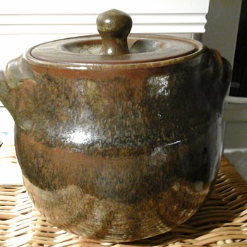 Friars stoneware pot - Art Pottery
