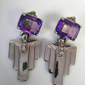 Art deco style glass/silvertone earrings