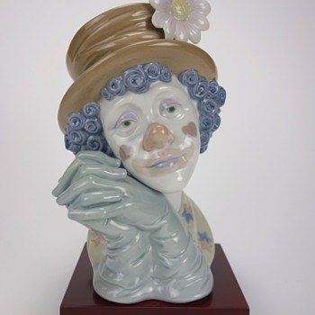 LLADRO CLOWN HEAD FIGURINE -THREE-
