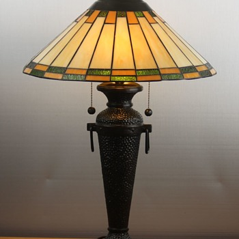 Roycroft 'Arts & Craft' Style Hammered Copper Table Lamp Reproduction c2004