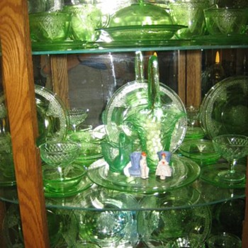 Green Depression Glass ~ Georgian  Love Birds - Glassware