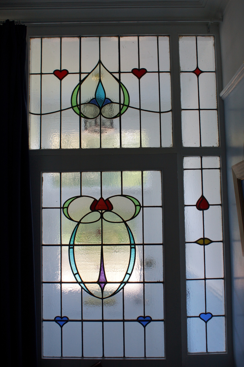 Art nouveau stained glass windows collectors weekly for Art glass windows