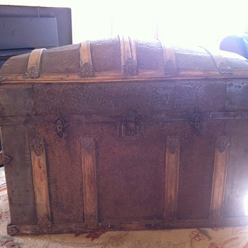 1850's stamped tin trunk crusade symbols  - Furniture
