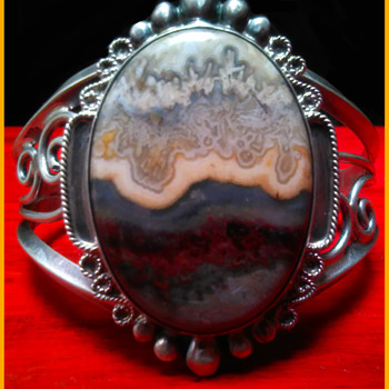 Vintage 1970's Handmade Signed HR (Henry Rosetta ?) Sterling Silver Lace Agate Cuff Bracelet - Native American
