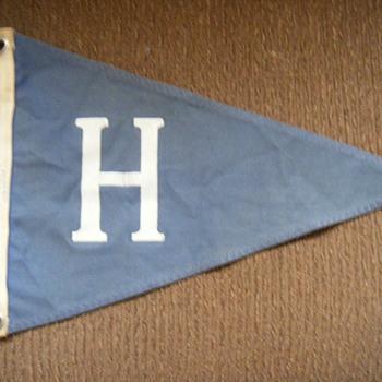 UNIDENTIFIED TRIANGULAR PENNANT-FLAG?? Baseball?? - Baseball