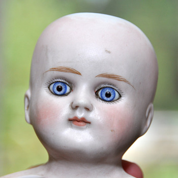 Doll head, but who is it? - Dolls