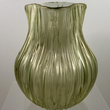 Loetz Gelb Texas vase, st PN II-1585, ca. 1904 - Art Glass