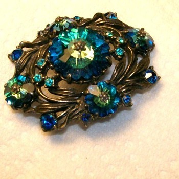 Vintage Weiss Marked Brooch  - Costume Jewelry