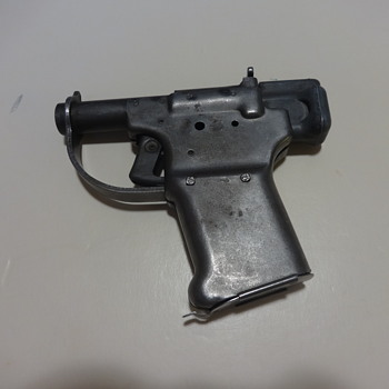 FP-45 Liberator Pistol - Military and Wartime