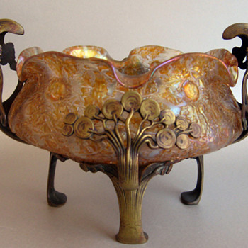 Loetz Astglass,  bowl in a bronze Art Nouveau frame (Thanks for the ID) - Art Glass