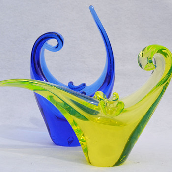 Murano cobalt and vaseline ashtrays