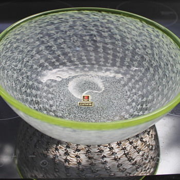 Gorgeous bowl from Marti Glass - Art Glass