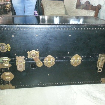 Need Help To Identify Seward Trunk - Furniture