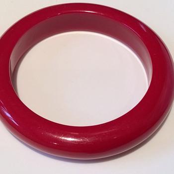 Vintage red bangle - Costume Jewelry