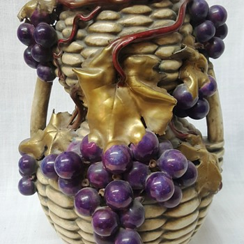 "10"" Vase with life size grapes Maker?"