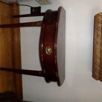vintage table?