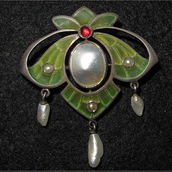 Plique-a-jour enamel, silver and pearl brooch.