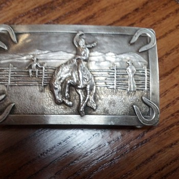 Need some help identifying this buckle please - Mens Clothing