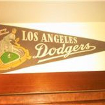 Vintage Chavez Ravine Los Angeles Dodgers Baseball Flag Pennant