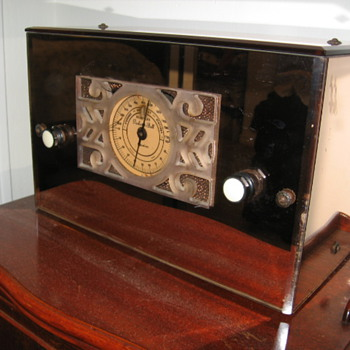 Rare 1935 Packard-Bell Peach Mirror Tube Radio Model 35 - Radios
