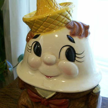 Humpty Dumpty Cookie Jar marked Made in USA