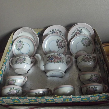 Childs Tea Set - China and Dinnerware