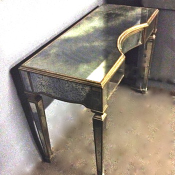 Beautiful Deco Mirrored desk or dressing table