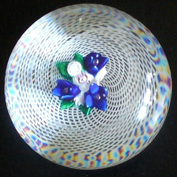 ST. LOUIS?  NEW ENGLAND?  LATICCINO PAPERWEIGHT, OLD. - Art Glass