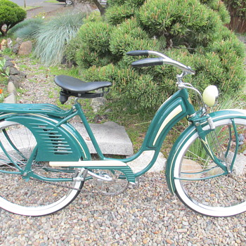 1941 Hawthorne 'Comet' Womens Bicycle - Sporting Goods