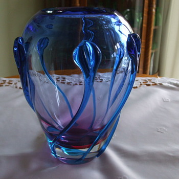 LOETZ or MURANO or something else? Lamprey VASE - Art Glass