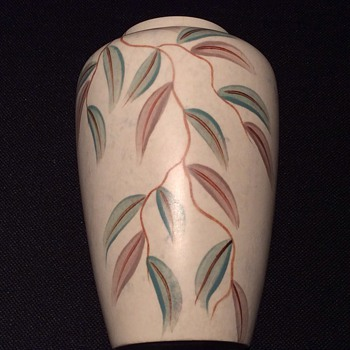 Lovely hand painted vase - Art Pottery