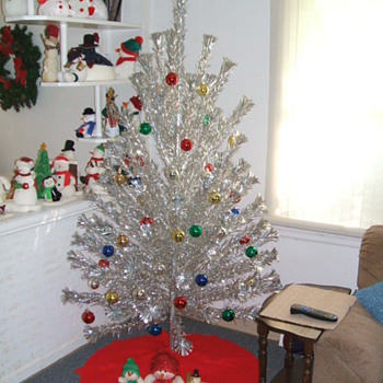 6 foot Evergleem Aluminum Tree  - Christmas