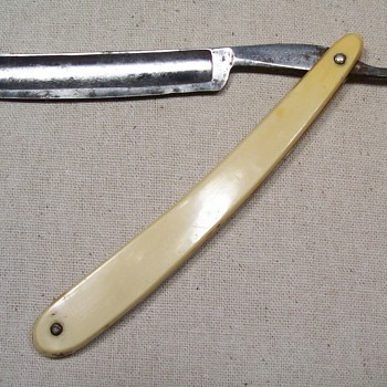 Cattaraugus Cutlery straight razor - Accessories