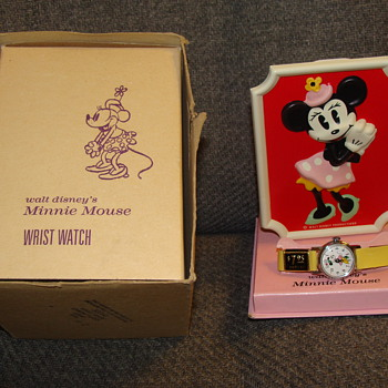 1960s MINNIE MOUSE WATCH IN ORIGINAL BOX - Wristwatches