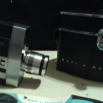 bell and howell 8mm zoomatic 414 MINT condition scratchless