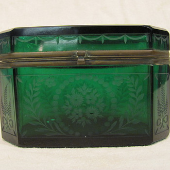 Green glass box - Art Glass