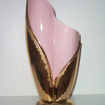SAVOY CHINA - PINK II - Art Pottery