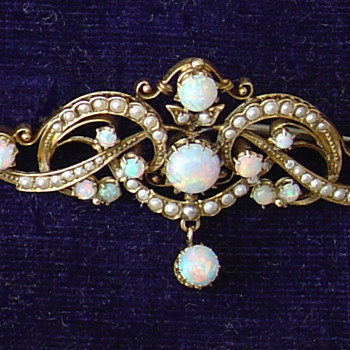 Victorian opal and seed pearl brooch - Fine Jewelry