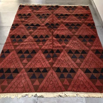 Vintage Mid-Century Modern Turkish Area Rug - Rugs and Textiles