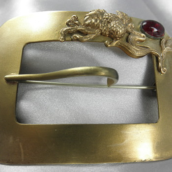 Large Brooch w/Hook (What is the hook for)?